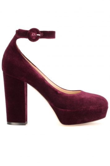 Click to buy Gianvito Rossi velvet pumps online