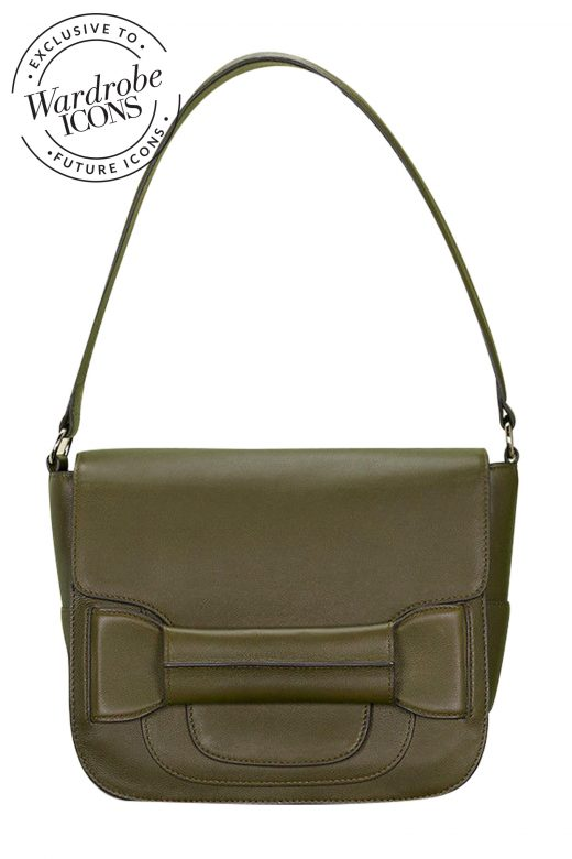 Tila-March-Ali-Shoulder-Foret-FI
