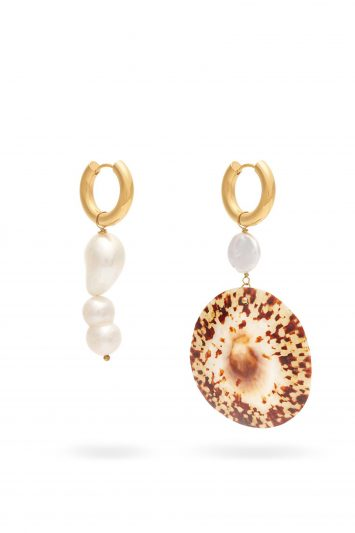 Timesless-Pearly-Earrings