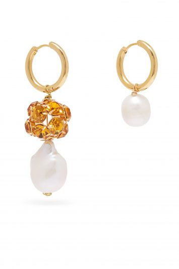 Timeless-Pearly-Earrings